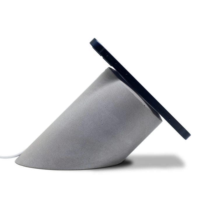 iPhone Magsafe betonový stojánek